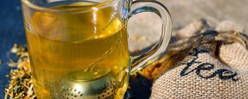 Drinking tea against cognitive impairment