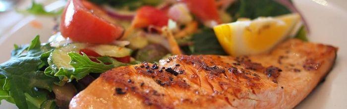 Mangiare pesce protegge il cervello dai danni causati dall'inquinamento atmosferico