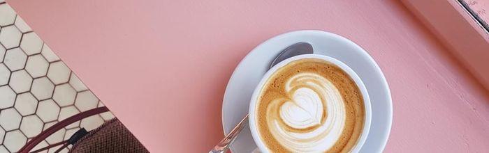 Il caffè mattutino? È meglio berlo dopo la colazione, anziché prima, per tenere sotto controllo la glicemia
