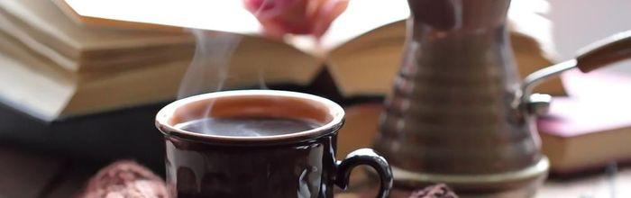 Tè o caffè? Per la salute, entrambi…
