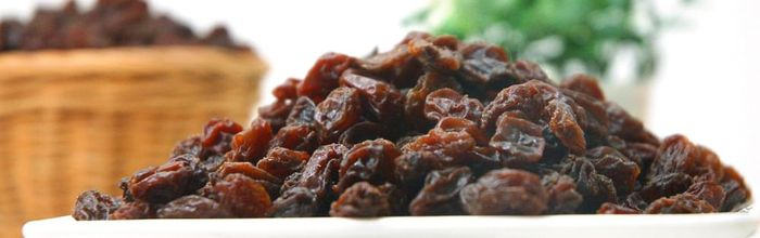 Raisins, sweet and healthy