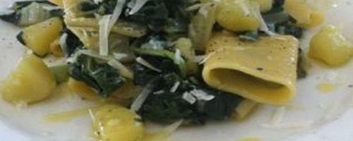 Paccheri Pasta und Schweizer Chards