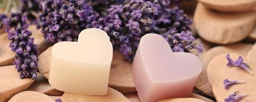 Beauty and nature, lavender baths from ancient times