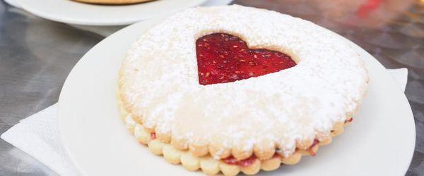 Große Spitzbuben mit Marmelade und Schokolade, für leckere Snacks