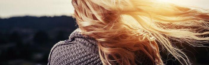 Naturalmente belli, il segreto per capelli luminosi? Il risciacquo acido