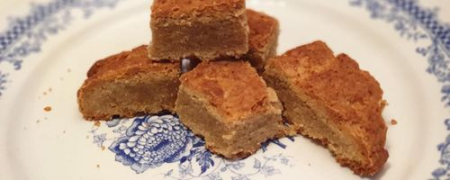 Grandma Lina's stroscia cake, the yummy extra virgin olive oil cake