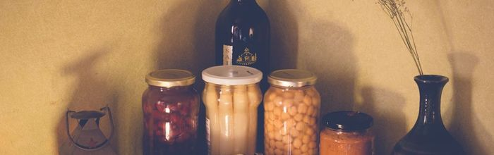 Healthy in the kitchen, canned food