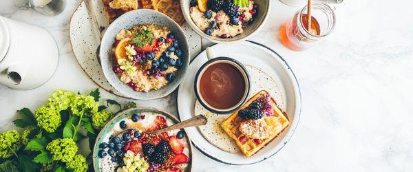 Against abdominal fat? Having breakfast!