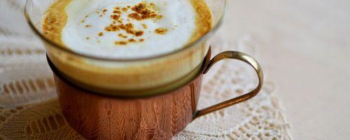 Goldene Milch, der kostbare Kurkuma Latte für Gesundheit