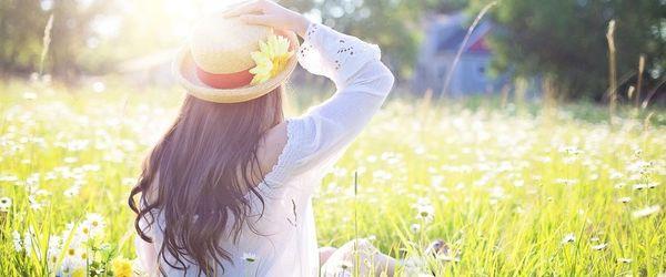 La tavola in primavera ed estate, come proteggere la pelle dal fotoinvecchiamento