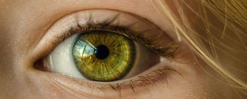 Occhio secco, un aiuto dalle vitamine