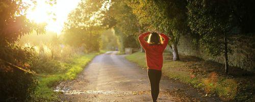 Se dormi male, una moderata attività fisica ti protegge da malattie e rischi per la salute