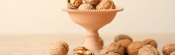 Almonds and walnuts against abdominal fat and overweight