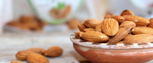 Slow Cosmetique, Mandeln und kosmetische Lebensmittel