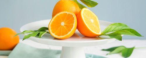 Un bicchiere di succo di arancia contro la depressione