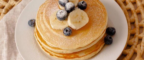 Pancakes proteici al cocco e ananas