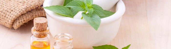 Natural cosmetic, little and simple home remedies against dull skin