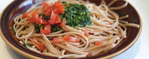 Whole grain spaghetti with radish leaf pesto