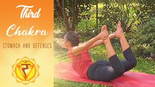 Yoga for the third chakra, useful to improve digestion and to boost the defenses