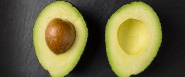 Avocado- und Zitrusfruchtcreme