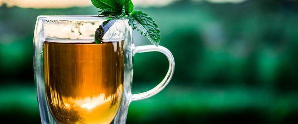 Tè alla menta, una bevanda che sa di terre esotiche
