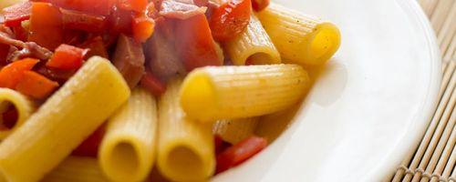 Pasta mit Paprika und Jakobsmuscheln