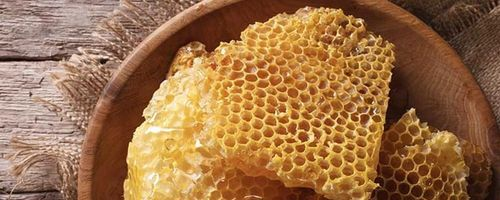 Beeswax, a true beauty cosmetic