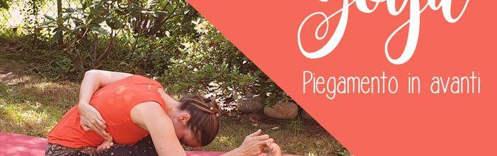 I piegamenti in avanti dello yoga, benefici per tutto il corpo