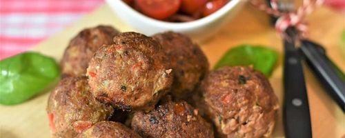 Greek flavors, Zucchini balls and Santorini tomato balls