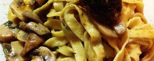 Linguine Pasta mit Pilzen und Curry